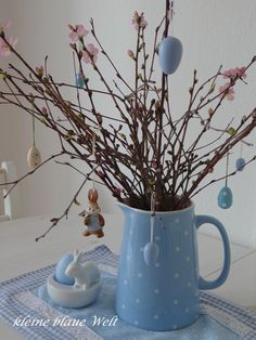 kleine blaue Welt: Friday - Flowerday 13 Friday, Easter, World, Easter Activities