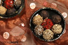 Energie Bonbons mit Hanfsamen (zuckerfrei, vegan & glutenfrei), Pralinen, pralines, selber machen, selbst gemacht, homemade, chocolate, chocolates, healthy, sugar free, gluten free, vegan, glutenfrei, zuckerfrei, gesundes Naschen, Naschen, Advent, Christmas, no bake, Weihnachten, Sweets, Candy