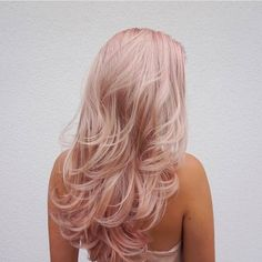 5 Subtle Pastel Hair Colors to Try Out This Spring - Bankz Salon Hair Color pastel hair colors Blond Rose, Pink Blonde Hair, Pastel Pink Hair, Blonde Hair Pink Highlights, Baby Pink Hair, Light Pink Hair, Ice Blonde, Blonde With Pink, Blonde Curls