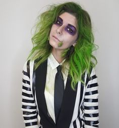 women life Beetlejuice costume Easy Pond Fountain Installation Article Body: Thinking of adding a fo Beetlejuice Halloween Costume, Beetlejuice Makeup, Halloween Juice, Halloween Costumes For Girls, Halloween 2019, Halloween Party, Beatle Juice Costume, Beetle Juice Costume Female, Halloween Kleidung