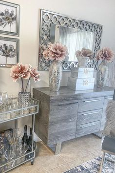 Glam Living Room, Living Room Decor Cozy, Bedroom Decor, Schönheitssalon Design, House Design, Entryway Decor, Modern Entryway, Home Interior Design, Room Inspiration