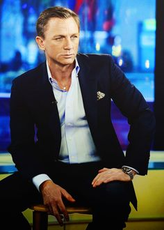 Daniel Craig gives good dare to keep opulent time voyeur moments!