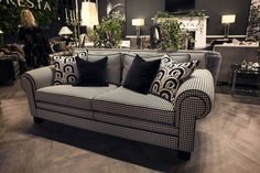 Let's take a look at this unique sofa for your living room decor | www.livingroomideas.eu #livingroomideas #livingroomsofasideas #livingroomdecor #livingroomdesign #homeinteriordesigntrends