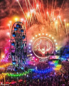 This one won't be a dream for too much longer! Electric Daisy Carnival (EDC) is amazing! The music, the community, the vibes - everything! I am so excited to go in May! Festival Gear, Rave Festival, Festival Posters, Festival Fashion, Edm Music, Dance Music, Dance Pop, Music Fest, Raves