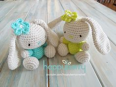 Happy Berry Crochet: Amigurumi Bunny. The pattern is in US terminology. It includes the pattern for the flower.