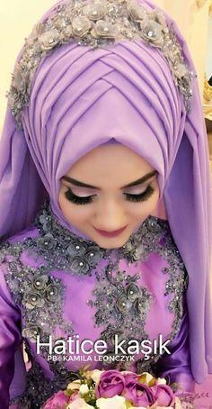 Hatice kaşık Meet the Wedding Dress of Your Dreams Tesettür Modelleri 2020 Bridal Hijab Styles, Hijab Wedding Dresses, Hijab Bride, Formal Dresses, Muslim Brides, Muslim Women, Muslim Fashion, Hijab Fashion, Baby Hijab