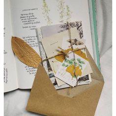 Iconosquare – Instagram webviewer Snail Mail Pen Pals, Snail Mail Gifts, Pretty Letters, Pen Pal Letters, Envelope Art, Handwritten Letters, Vintage Lettering, Pen And Paper, Letter Writing