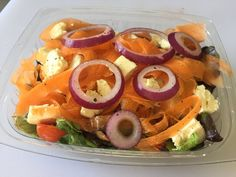 Hout Bay, our new health store concept. Today we are eating a crispy fresh salad News Health, Cold Day, Sushi, Salad, Concept, Meals, Fresh, Store, Ethnic Recipes
