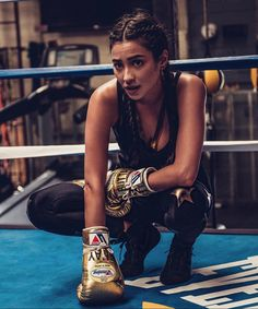 - Baskets and Boxes - Shay Mitchell- female - - 1987 - middle (asian & caucasian) - black hair - b. Shay Mitchell- female - - 1987 - middle (asian & caucasian) - black hair - brown eyes - actress (pretty little liars) Fitness Motivation, Fitness Goals, Fitness Diet, Health Fitness, Motivation Success, Sport Motivation, Pretty Little Liars, Fitness Inspiration, Body Inspiration