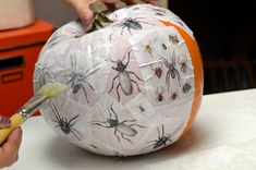 This would be fun to do with mini pumpkins for a class party!