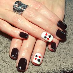 nails, accent nail, gelish, shellac, gellac, nail art, red, white, black, spade, clubs, hearts, diamonds, pearl, casino, black jack, poker, cards, gamble, gambling
