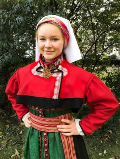 Rødtrøyebunad Øst-Telemark - Stakkeloftet Folk Costume, Costumes, Folklore, Norway, Christmas Sweaters, Scandinavian, Traditional, Google, Outfits