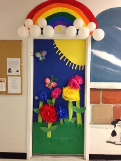 Decorating an art room on pinterest door decorating art for Art room door decoration