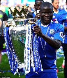 N'Golo Kante has shown he is one of the world's top midfielders at both Leicester and Chelsea Chelsea Football Team, Football Icon, Football Pictures, Sport Football, Chelsea Nike, Chelsea Fc, N Golo Kante, English Premier League, Blue Dream