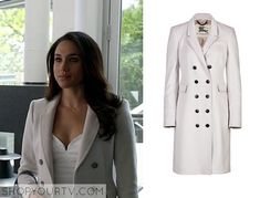 Rachel Zane (Meghan Markle) wears this white double breasted coat in this week's episode of Suits. It is the Burberry London Cashmere Northcombe Coat. Buy it HERE