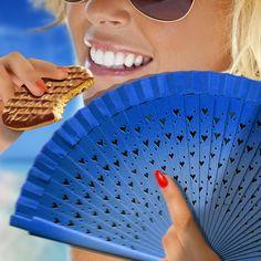 #mcvitiesitalia #mcvitiesdigestive #mcvitiescioccolatoallatte #mcvities #ventaglioblu #freschezza #spiaggia #mare #sole #occhialidasole #sorriso #break #pausa #relax #food #cibo #biscuit #gustoso #biscotto #summer #estate #sweet #dolceestate