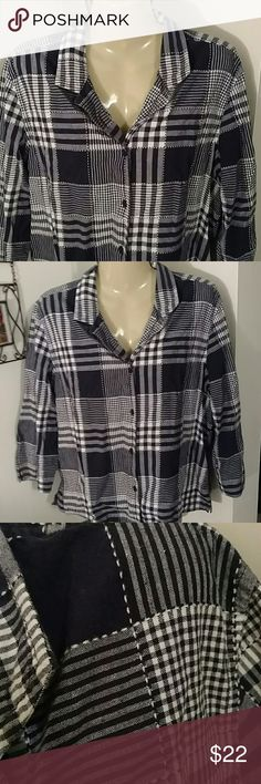 ADORABLE PLAID BUTTON UP Navy & White Plaid Reminds me of a beautiful Quilt Very Comfortable Excellent Condition cabin creek Tops Button Down Shirts