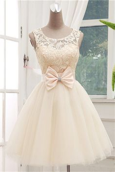 Dress,Lace Homecoming Dresses,Short Prom Gown,Champagne Homecoming Homecoming Dress,Ball Gown Homecoming Sweet 16 Dress For Teens Vestido corto en color pastel con encaje en la parte de arriba y un detalle de un moño en la cintura Dresses Short, Sweet 16 Dresses, Pretty Dresses, Beautiful Dresses, Formal Dresses, Sweet Dress, Gorgeous Dress, Lace Homecoming Dresses, Grad Dresses