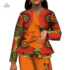 Casual African Women Clothes Print Tops and Pants Set Bazin Riche Traditional African Clothing 2 Pieces Pant Trousers Set Maxi Skirts For Women, African Dresses For Women, African Fashion Dresses, African Women, African Print Clothing, African Print Fashion, African Clothes, Traditional African Clothing, Traditional Outfits