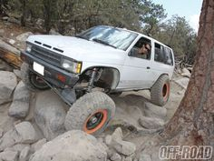 1990 #NissanPathfinder at iconic spot on the John Bull trail #Offroad . Full Article - http://www.fourwheeler.com/features/1311-1990-nissan-pathfinder-path-ology/