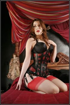 bitchin' corset in black leather and red