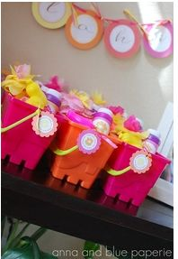 great party favors for a summer birthday