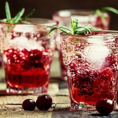 I'm checking out a delicious recipe for Cranberry Gin Cocktail from Kroger!