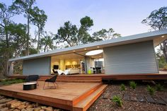 Bachkit prefab from New Zealand by Andre Hodgskin Architects. See also: http://www.alternativeconsumer.com/2010/07/30/bachkit-organic-sustainable-modular-prefabs/