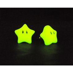 Super Mario Invincibility Stars - Glow in the Dark - Glow Earrings -... (73 BRL) ❤ liked on Polyvore featuring jewelry, earrings, star earrings, letter earrings, star jewelry, glow in the dark earrings and party jewelry