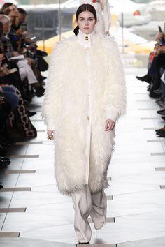 Tory Burch Fall 2017 Ready-to-Wear Fashion Show - Vanessa Moody