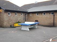 Pingpongtafel Afgerond Blauw bij Downview Primary School in Bognor Regis