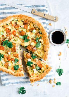 Hartige taart met zalm Grubs, Good Food, Yummy Food, High Tea, Vegetable Pizza, Recipies, Healthy Eating, Tasty, Favorite Recipes