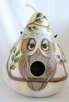 Owl Gourd Birdhouse - Hand painted Gourd Gourds Birdhouse, Birdhouses, Halloween Gourds, Crafts To Make, Diy Crafts, Hand Painted Gourds, Art Things, Diy Halloween Decorations, Vintage Halloween
