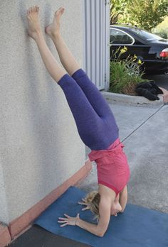 Awesome forearm stand tutorial from Athleta. This is my next yoga goal!