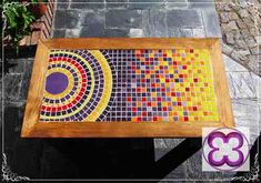 Nice flow to this mosaic with a circle design that moves to a steadily brighter field. Mosaic Tray, Pebble Mosaic, Mosaic Wall Art, Mosaic Glass, Mosaic Tiles, Stained Glass Patterns, Mosaic Patterns, Mosaic Furniture, Mosaic Flower Pots