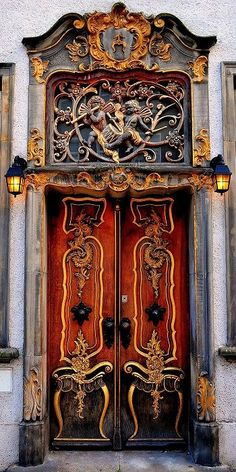 淡々と・・・美しい扉 : リトルトリップ