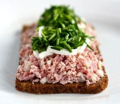 Open Faced Sandwich, Lunch Table, Food Porn, Danish Food, Christmas Lunch, Brunch, Food And Drink, Easy Meals, Yummy Food