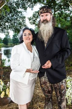 Duck Dynasty! Phill and Mrs.Kay Renew their vows and had the dream wedding they never had! AWWWW