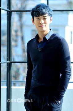Photoshoots, candids, and gifs of South Korean Actor/Model Joo Ji Hoon Handsome Asian Men, Im Falling, Actor Model, Korean Actors, Candid, Idol, Photoshoot, Mens Fashion, Guys