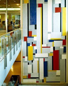 Cette grande peinture murale de l'Américain Fritz Glarner a été réalisé grâce à un don de 6 millions de dollars que la #FondationFord a fait à l'ONU en 1959. La peinture murale a été dévoilée n 1961 dans la bibliothèque Dag Hammarskjöld.