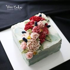 Made by_student Rice baking + choco cake #flowercake #flower #cake #beanpaste #beanpasteflower #beanpasteflowercake #koreacake #rice #ricecake #baking #ricebaking #앙금플라워 #플라워 #앙금플라워케이크 #플라워케이크 #플라워케이크자격증반 #플라워케이크클래스 #초코케이크 #베이킹 #습식쌀가루베이킹 #쌀베이킹 #수강생작품 www.vivi-cake.com vivicakeclass@gmail.com Kakaotalk ID - koreaflower02