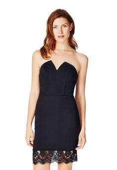 STRAPLESS LOW V-DRESS - Diese sexy und flirty Kleid verfügt über einen trägerloses Design mit einem V-Ausschnitt - ideal für Deine nächste Dinner- oder Partyeinladung. Der Mehrspitzerand lässt mehr ale einem Hauch Weiblichkeit spüren.