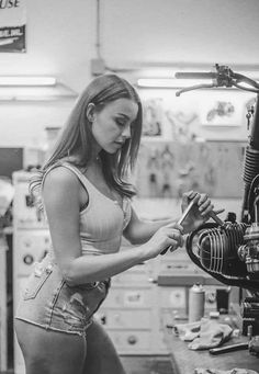 Cafe Racer by hollys_caferacer - - rockemon site Cafe Racer Honda, Cafe Racer Girl, Bmw Boxer, Cafe Racing, Scooter Girl, Bmw Motorcycles, Custom Motorcycles, Hot Bikes, Biker Girl
