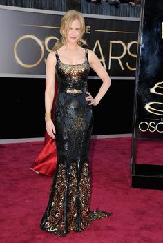 Nicole Kidman The actress glittered from head to toe in a form-fitting sequined L'Wren Scott gown, which hubby Keith Urban picked out for her. Award Show Dresses, Oscar Dresses, Formal Dresses, Oscar Gowns, Sparkly Dresses, Glamorous Dresses, L'wren Scott, Keith Urban, Nicole Kidman