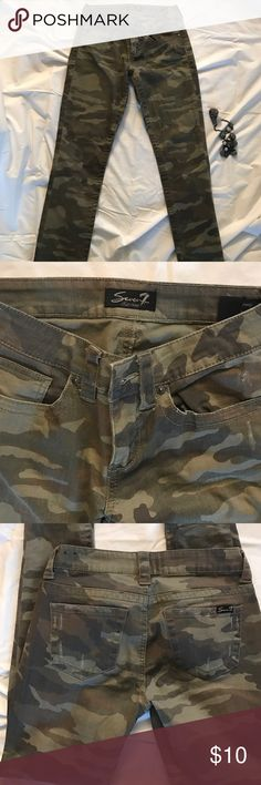 👖👖Camo jeans💋💋 💋💋Great condition💋💋 Seven7 Jeans Skinny