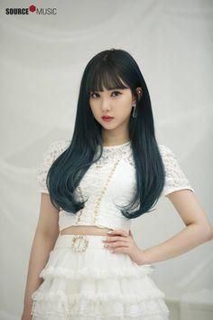 "Gfriend Poster Photoshoot for ""Season of Gfriend Encore"" Cr: Source Music Kpop Girl Groups, Korean Girl Groups, Kpop Girls, Pretty Asian, Beautiful Asian Girls, G Friend, K Pop, South Korean Girls, Asian Beauty"
