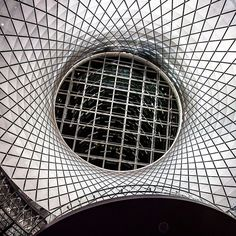#nyc #architecture @fultoncenter #interiordesign #oculus #lightning @mtanyctransit @mtaartsdesign #urban #commuter #glance #lookup