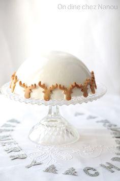 Entremets mousse vanille , insert pommes et noisettes