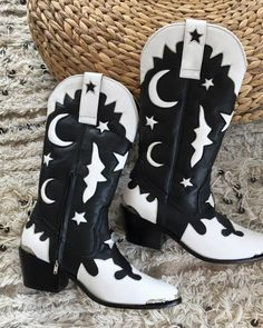 Rue De Seine Wedding Dresses: Your Guide to a Boho Wedlock ❤ rue de seine wedding dresses cowboy boots black-white for barn #weddingforward #wedding #bride Sheep Leather, White Leather, Black Cowboy Boots, Black And White Stars, Star Boots, Slip On Boots, Boot Brands, Motorcycle Boots, Casual Boots