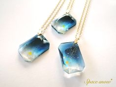 Resin jewel necklaces